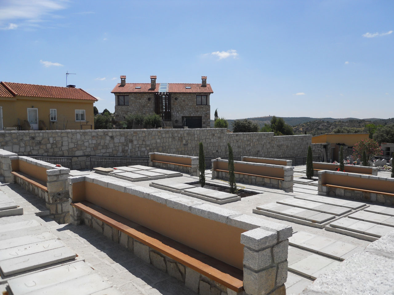 Ampliación de cementerio en El Berrueco (Madrid)