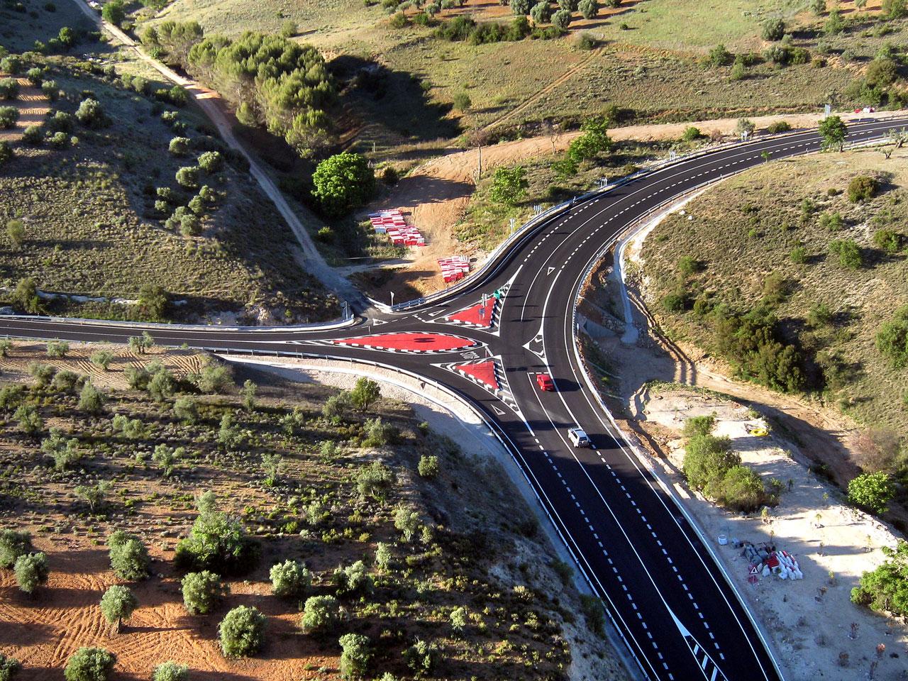 Remodelación de la intersección de la M-822 y la M-220 en Campo Real