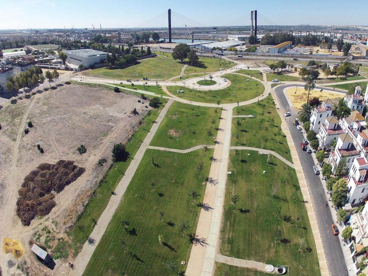 Obras accesorias de adecuación del parque sobre el antiguo cauce del río Guadaíra. T.M. Sevilla