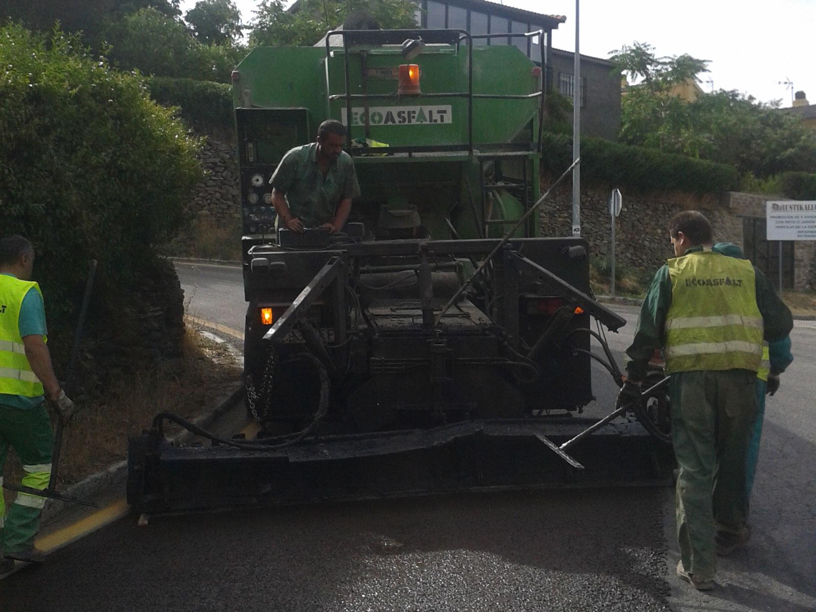 Mejora del firme y drenaje de la carretera
