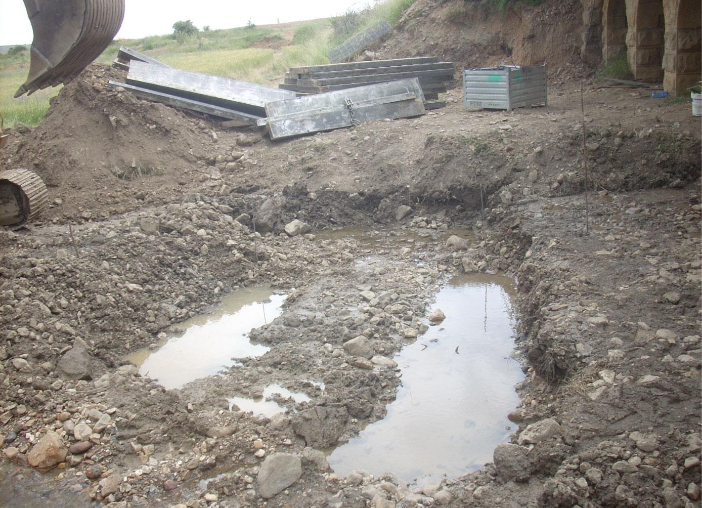 Obras nueva estación de aforos, río Gallo